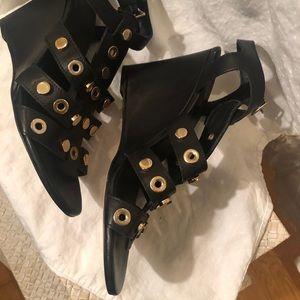 Sandro sz 8 Black sandals w/gold rings